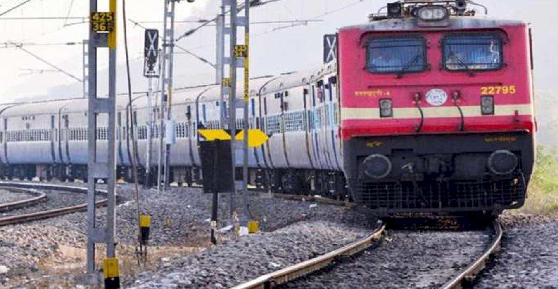 रेलवे ने प्रयागराज से खजुराहो के बीच चलने वाली ट्रेन का फेरा बढ़ाया