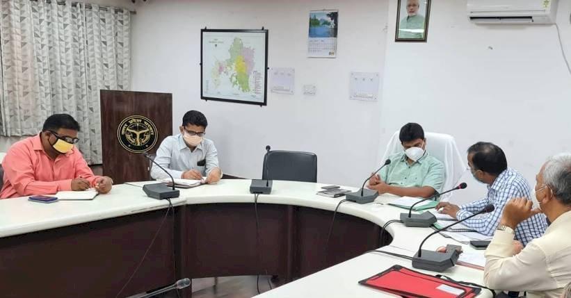 झाँसी : लक्ष्मीबाई स्मारक नेत्र चिकित्सालय में उपलब्ध होगी लेजर मशीन, खोला जायेगा औषधि केन्द्र