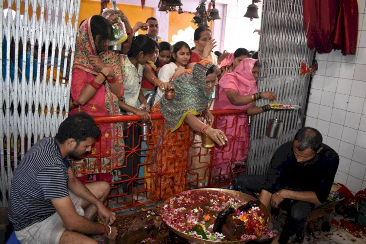 Maheshwari devi mandir banda, माहेश्वरी देवी मंदिर, बाँदा, Navratri banda