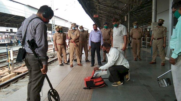कानपुर सेंट्रल स्टेशन की बढ़ी सतर्कता, आरपीएफ-जीआरपी ने बीडीएस टीम के साथ चेक किए प्लेटफार्म