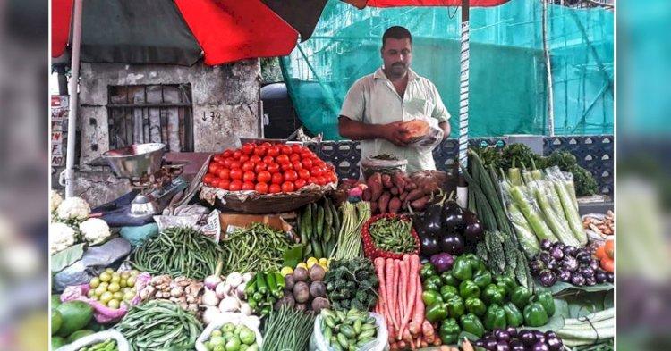 लो जी आ गया रामराज्य, सब्जी से सस्ता हो गया फल