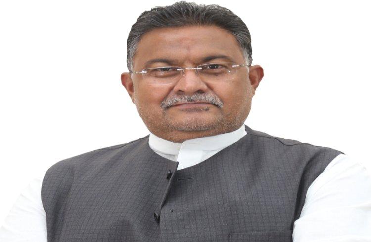 विधायक आलोक चतुर्वेदी ने शुरू किया ऑक्सीजन कंसट्रेटर बैंक