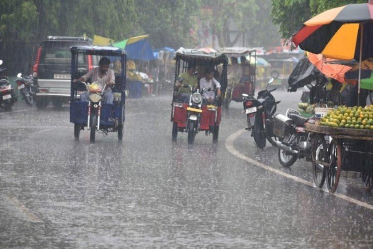 मौसम अपडेट : उत्तर प्रदेश के 15 जिलों में बारिश का अलर्ट जारी