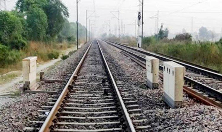 कोरोना का ब्रेक हटते ही झांसी-मानिकपुर रेलवे ट्रैक पर डबल लाइन के काम में बढी रफ्तार