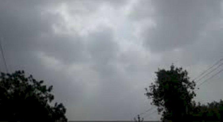 मौसम अपडेट : यूपी के बांदा सहित 10 जिलों में रेड अलर्ट और 26 जिलों में येलो अलर्ट जारी