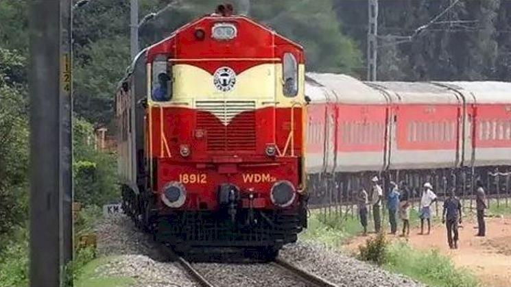 पश्चिम मध्य रेलवे टीम ने कानपुर–इटावा खंड का परख निरिक्षण यान द्वारा 'विंडो ट्रेलिंग' निरीक्षण