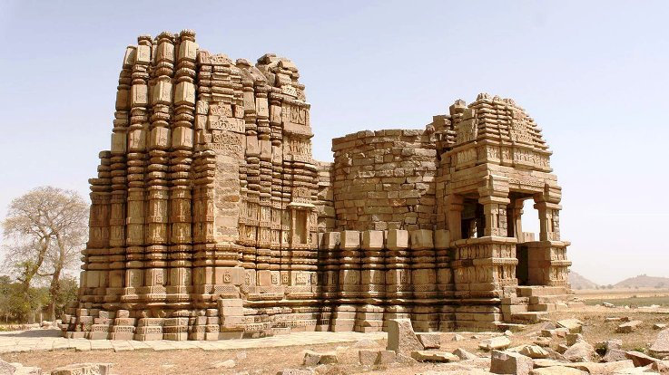 कोणार्क से कम नहीं महोबा का सूर्य मंदिर